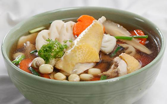 Soup of chicken and lotus seed is very nutritious for pregnant women.