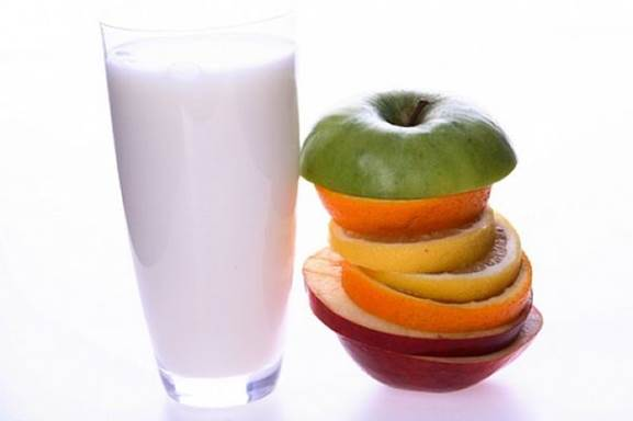 Milk and citrus fruits often cause allergies.