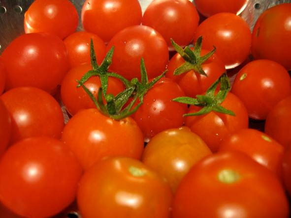 Description: Lycopene, which has a red colour, is found in tomatoes and is absorbed more easily by the body if the tomatoes are cooked.