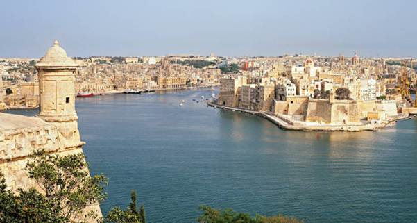 Description: Valletta's architecture is influenced by both Europe and the Middle East