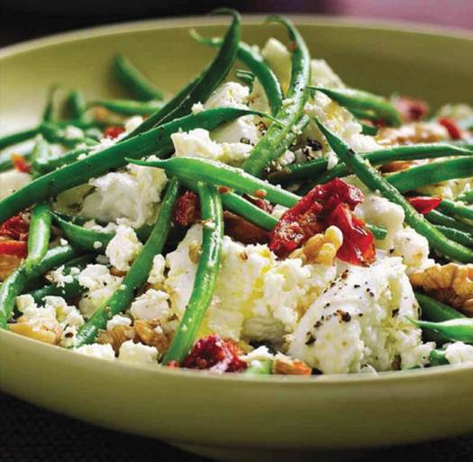 Description: French beans with sun-dried tomatoes, feta and mozzarella