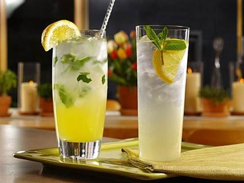 Lemon juice can support for digestion and reduce sputum.