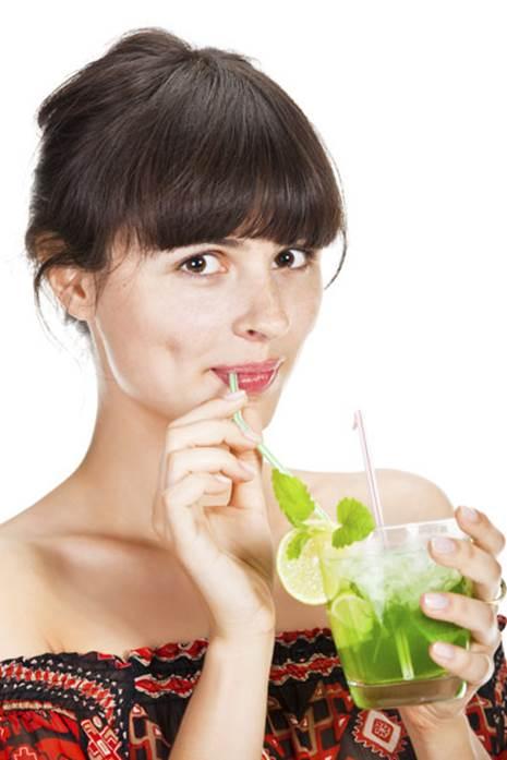 Drinking lemon juice can reduce bad breath.
