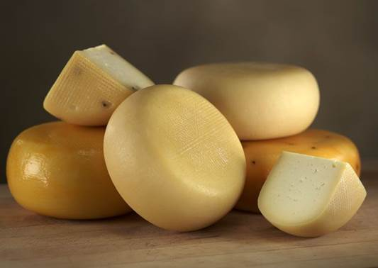 Eating cheese helps improve oral health by preventing mineral loss of teeth.