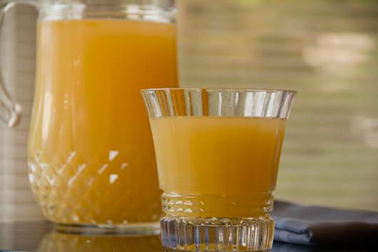 Fresh ginger water cooked with red sugar is dedicated for people who have cold only.