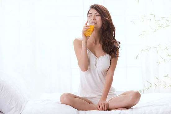 Vegetable and fruit juices are useful for body because they don't contain preservatives.