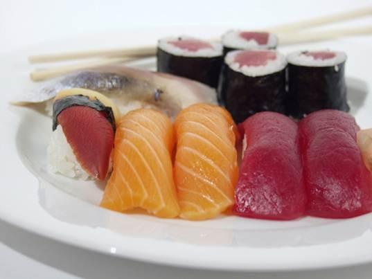 Description: Pregnancy shouldn't eat raw sushi