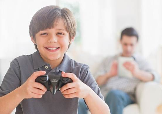 Description: Many researches prove that spending long time on TV and computer is really harmful to children's health.