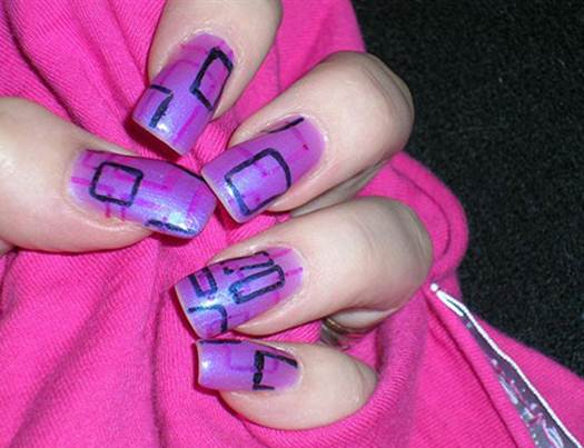Description: Absolutely avoid painting your nails with flashy colors in an interview