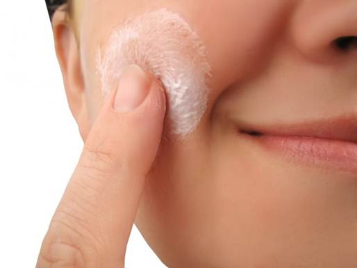 Description: Moisturizer can be absorbed more easily with a clean and slightly skin.