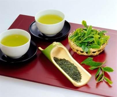 Green tea combats foul breath effectively.