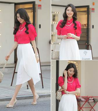 With fresh pink, girls can combine with white skirt and the stylish light pink bag.