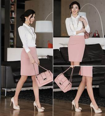 The homogeneous combination between clothing and accessories makes nude pink become impressive.