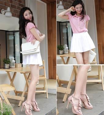 Light pink brings joyful and cute style.