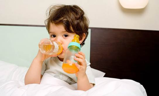For kids under 6 months old, fruit juice is suggested that not be used even with a little content (according to WHO 2012)