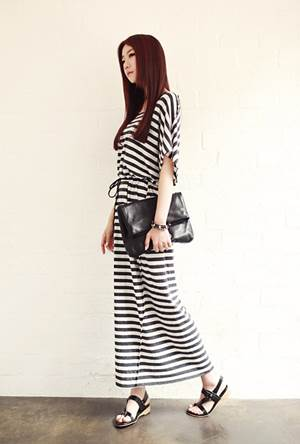 Youthful and fresh style with horizontal stripe dress