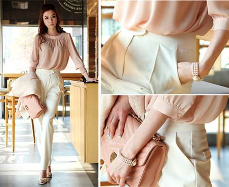 Or the same-tone pastel pink handbag is very eye-catching.