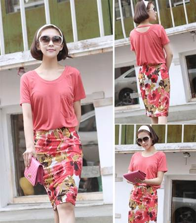 Pencil skirts with flower patterns remove rigidity of classical skirts.