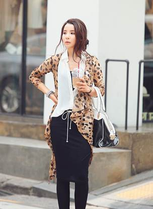 Leopard Cardigan can be worn to the small parties to make you shine.