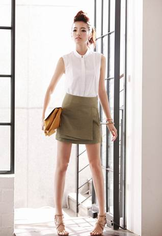 This skirt model is suitable for both working and hanging out clothes.