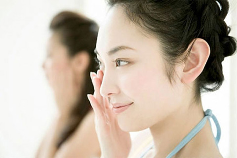 Skin aging is one of healthy problems of women over 25 years old.