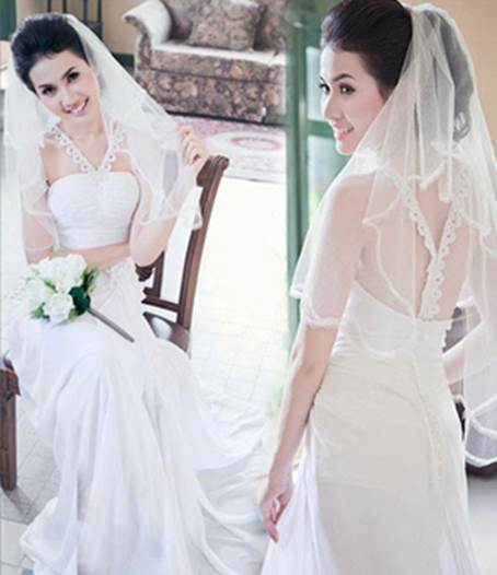 Be graceful on senior silk, wedding dress odd Canary always combines with accessories such as bracelet and veil in order to create harmonization and grace.