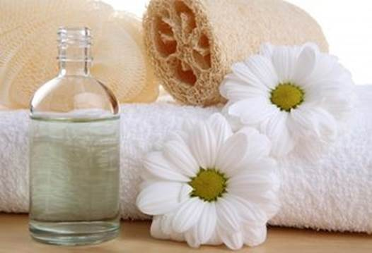 Toner from green tea, chamomile will help balance and not lose the natural oil on the skin.