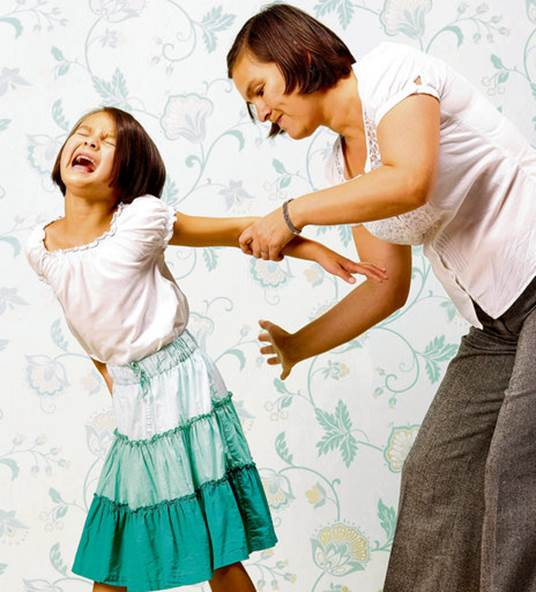Insulting your children, whichever motivation it comes from, love or anger, will all receive serious consequences afterwards.