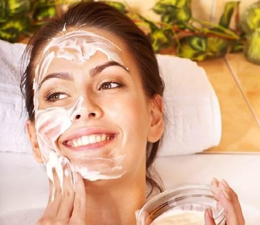 Description: Egg whites have long been a popular ingredient in skin-tightening masks