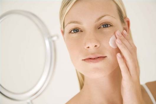 Description: Apply moisturizer after removing the coffee and egg white mask to protect your skin from sun damage