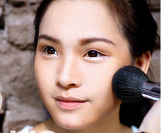 Description: The last note is when applying highlighter and shadow; you need to obscure the boundary between the two sides of the forehead and the chin with primer to highlight your radiant face without losing its natural look.